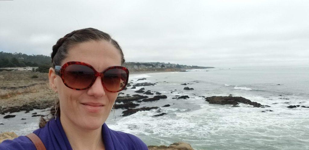 Lis by the ocean
